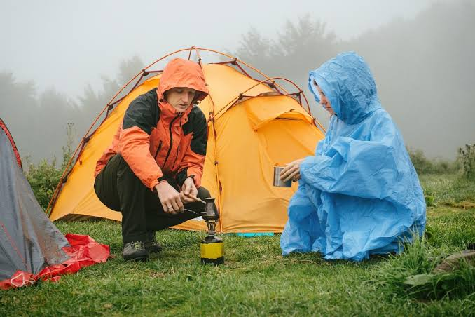 Camping while it is raining – How you can Stay Comfortable and Dry When Everything Surrounding You Is not